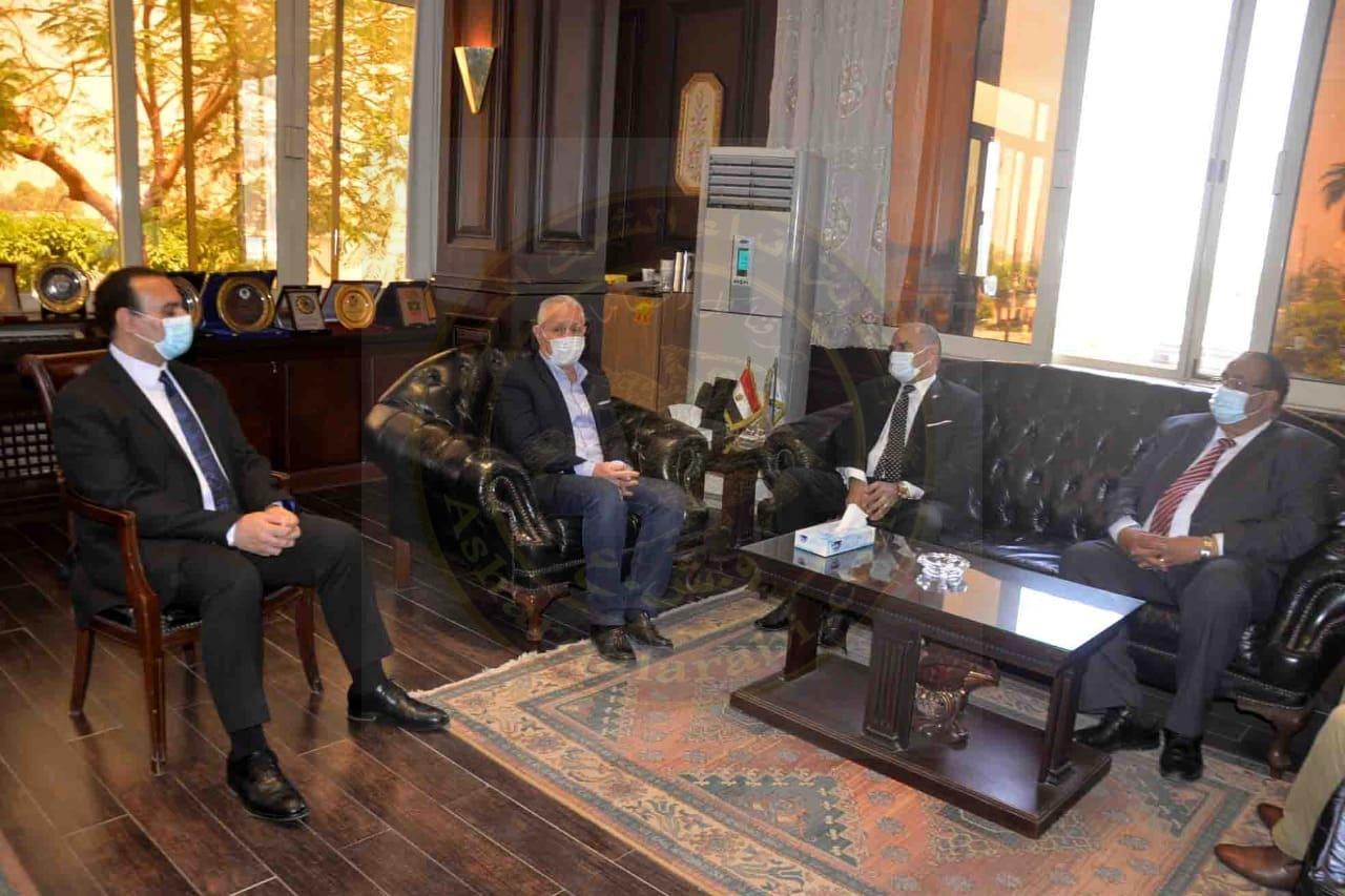 """"""" ألهم """" يبحث آليات التعاون العلمى مع رئيس جامعة الاقصر"""