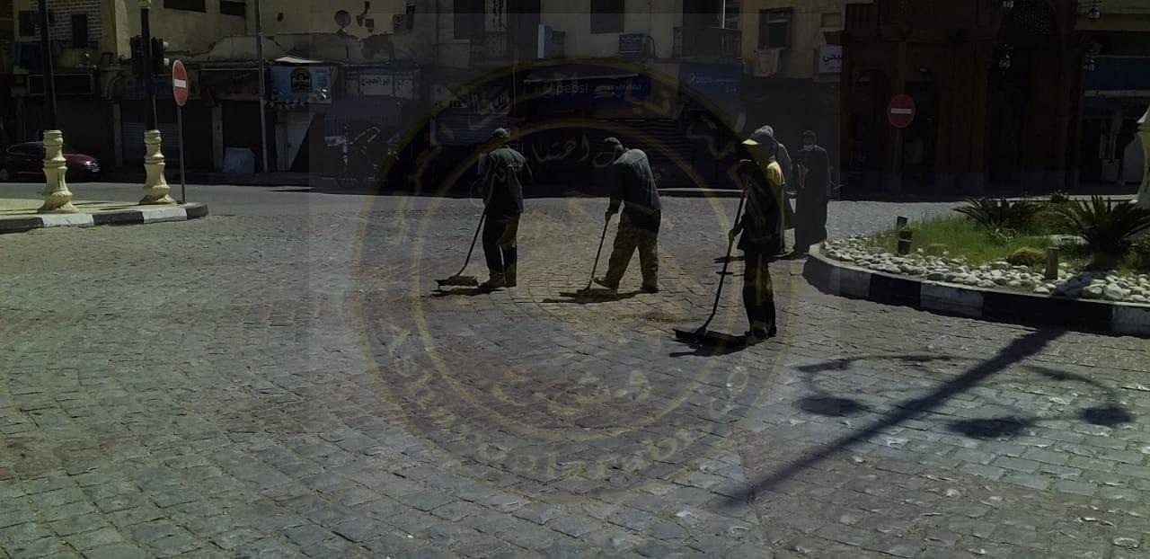 مدينة الأقصر تستكمل حملات النظافة والتجميل بالشوارع فى نهار رمضان