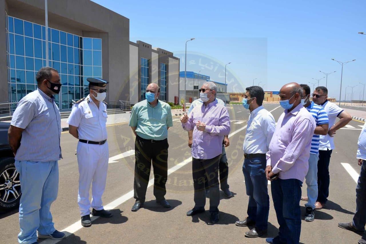 محافظ الأقصر يتابع سير العمل بعدد من المشروعات الخدمية والتنموية بمدينة البياضية