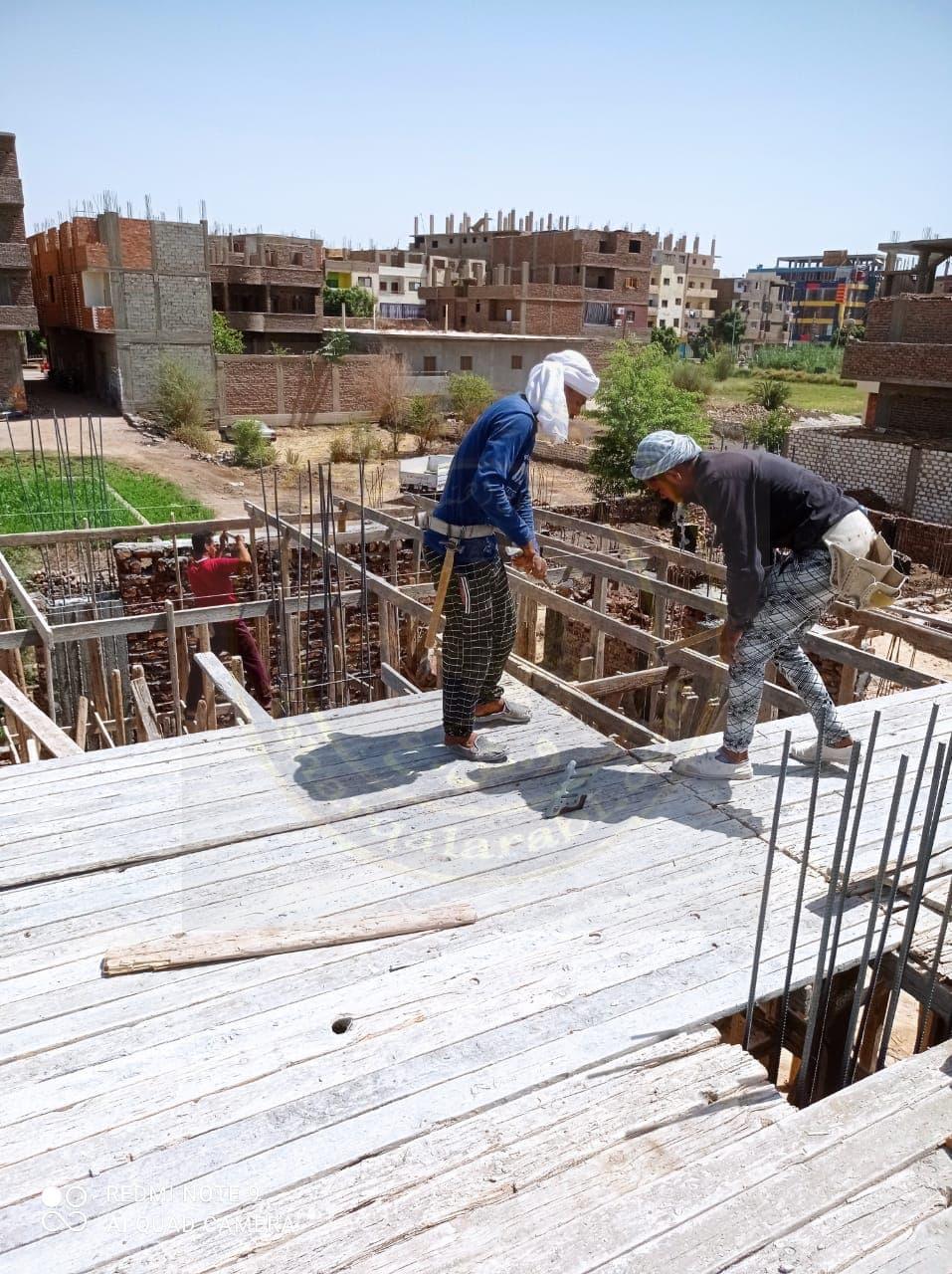 رصد مخالفة تعدٍ على أرض زراعية بناحية حوض الـ 57 بقرية الرياينة جنوب الأقصر
